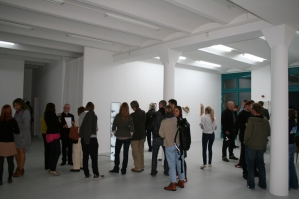 Gallery [DAM] Berlin has moved into a larger space and started the new location with a group show on sculpture and space in media art.