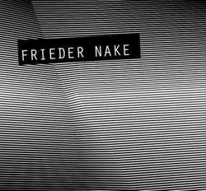Licht ins Dunkel Die Ausstellung zeigt Werke von Frieder Nake und ihre analogen und interaktiven Interpretationen, die von befreundeten Künstlern, Schülern und Studierenden hergestellt wurden.